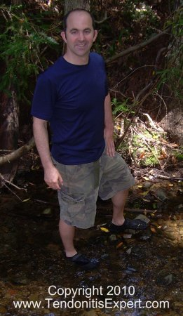 vibram kso five finger barefoot running shoes in water picture